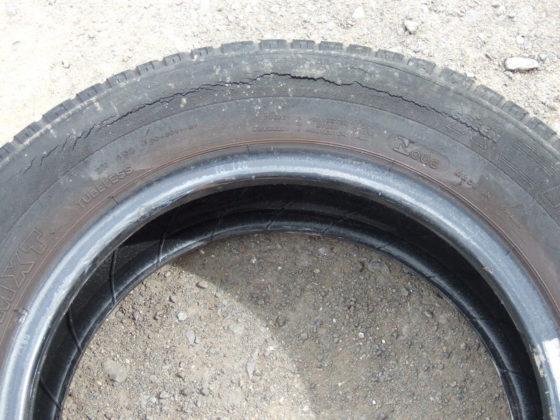 Classic car tyre checks at Wight Classics