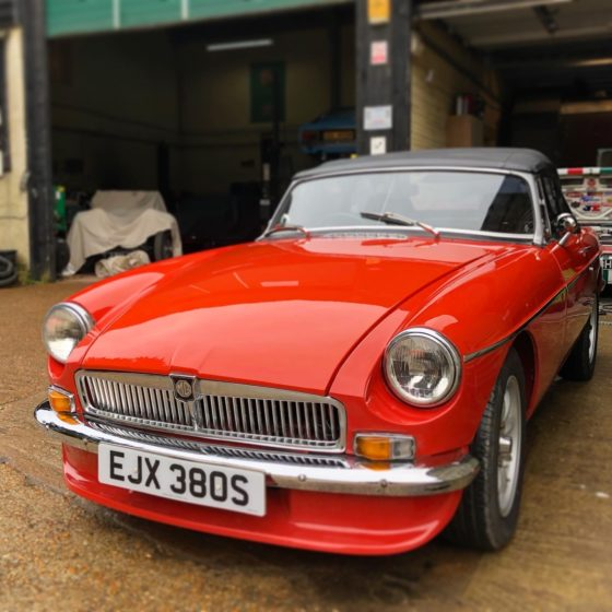 MGB Roadster Wight Classics car garage